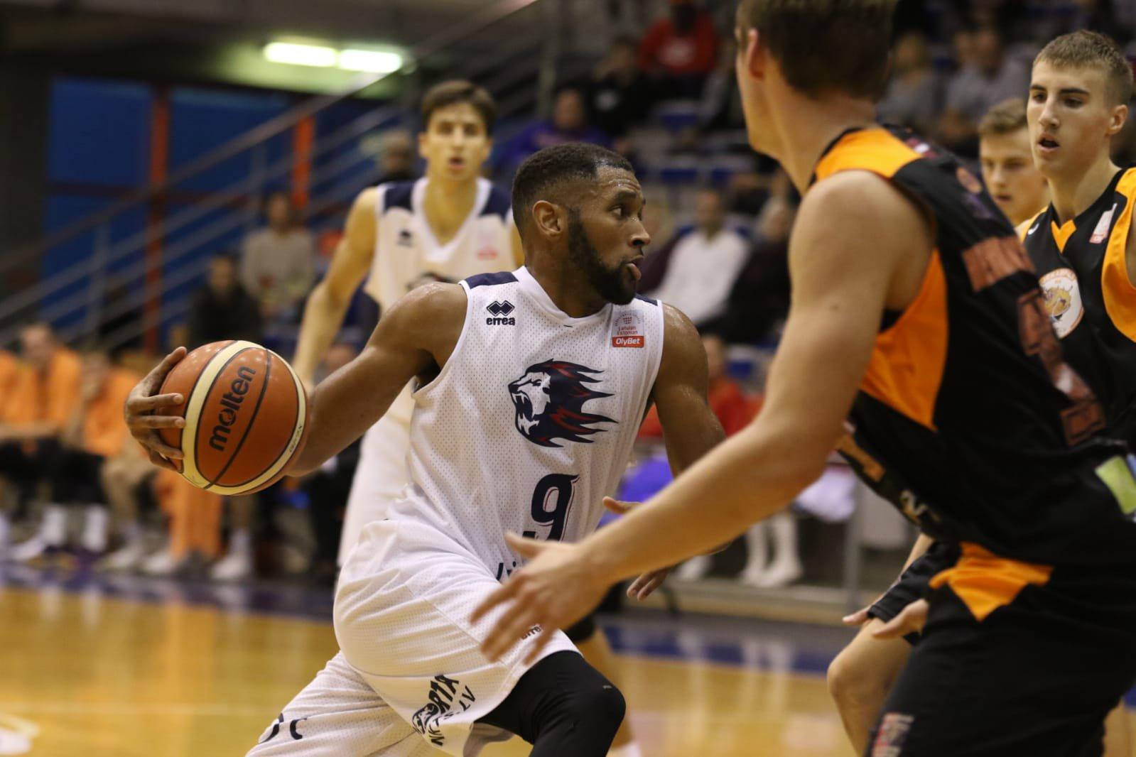 World Basketball Players | Interperformances.com