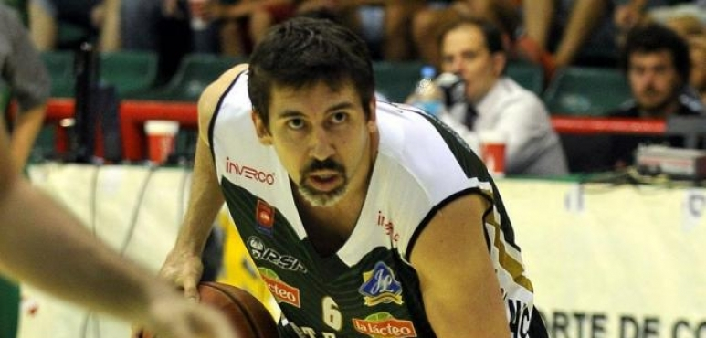 Salta Basket signs Gabriel Mikulas