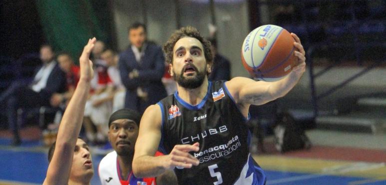 Bernardo Musso leads Latina to victory